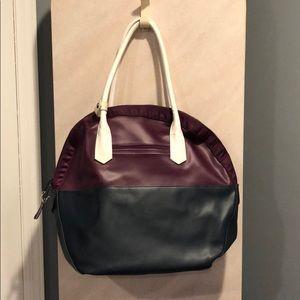 lululemon athletica Bags - Amazing lululemon gym bag!